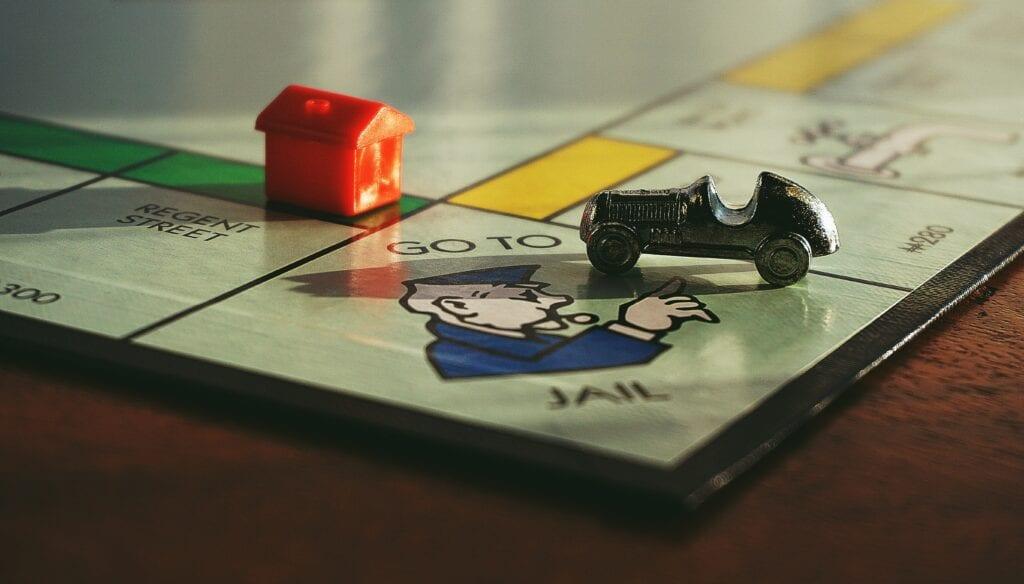 Brettspiel Monopoly, Streit ums Geld, Geld Tabuthema, Gesellschaft, Schulden Geld, Geld arbeiten,